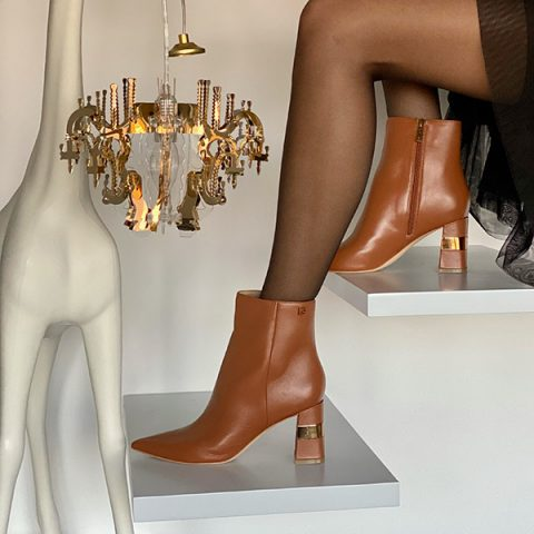 PAAR-Fashion-Shoes_Gleznjarji-skornji-s-peto_jesen-2021
